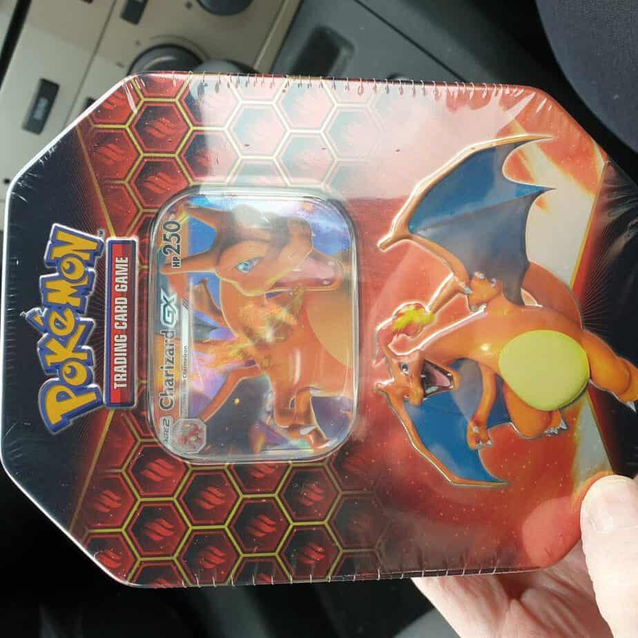 Pokemon Hidden Fates Charizard GX