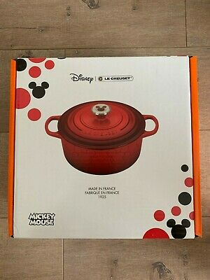 le creuset dutch oven mickey mouse