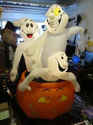 "Giant 8-Foot (2.4m) Airblown Inflatable ""Ghost Trio"" w/ Pumpkin 2002 Gemmy 25676"