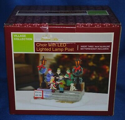 Forever Gifts~Christmas Village~Choir with LED Lighted Lamp Post~Carolers~NEW
