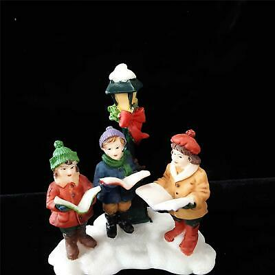 O'Well 3 Children Caroling At Lamp Post Christmas Village Accessories EUC