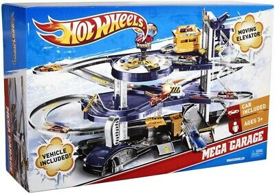Mattel Hot Wheels Mega Garage Playset - Mattel V3260 New w box - HOT ITEM!