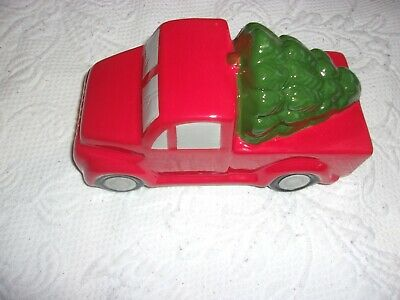CHRISTMAS DECOR NEW CERAMIC GLASS RED PICKUP TRUCK WITH CHRISTMAS TREE 7 X 3