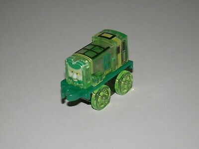 Thomas & Friends Minis 2016 PAXTON AS FLYING DUTCHMAN SPONGE BOB -NEW -WEIGHTED