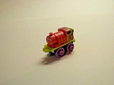 Thomas & Friends Minis 2016 PERCY AS PATRICK - SPONGE BOB - New - WEIGHTED