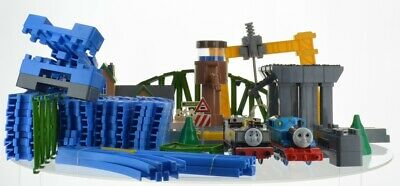 2004 Tomy Steam Along Thomas Train Set Real