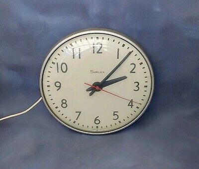 Vtg Simplex type 804-005 analog school office wall clock works! made in USA
