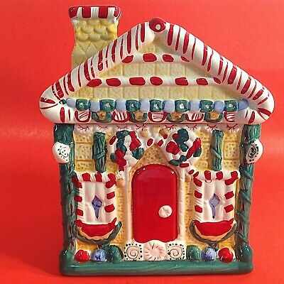 COOKIE JAR CANISTER. CHRISTMAS GINGER BREAD HOUSE 9 INCH VINTAGE