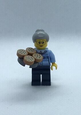 LEGO City 60155 Advent Calendar 2017 (Day 8) - Grandma Minifigure
