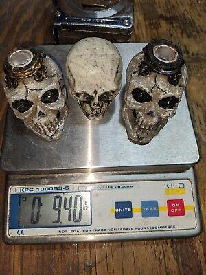 Skull Candle Sticks Holders. Halloween Creepy Gothic Horror Skull Skeletons