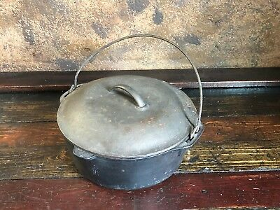 Vintage # 8 Cast Iron Dutch Oven Camp W Basting Lid Cookware Made USA