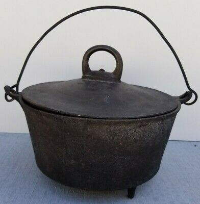 Vintage Cast Iron 3 Footed Camp Dutch Oven w/ Lid & Handle No.3