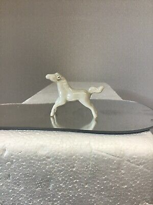 Vintage ~ Tiny White Porcelain Horse ~ Christmas Village ?~ Unbranded