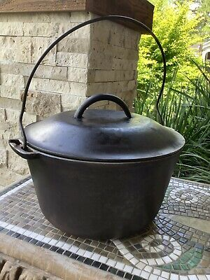 Vintage Wagner Cast Iron Dutch Oven Bean Pot with Lid & Handle, Clean & Seasoned