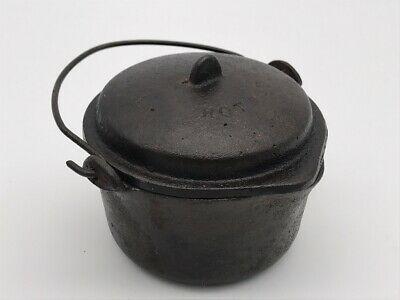 VTG Antique Cast Iron Children's Toy Hot Pot Blue Valley Kansas Dutch Oven 281g