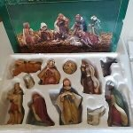 heritage 11 piece porcelain nativity set