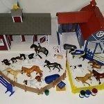 Breyer Stablemates Barn